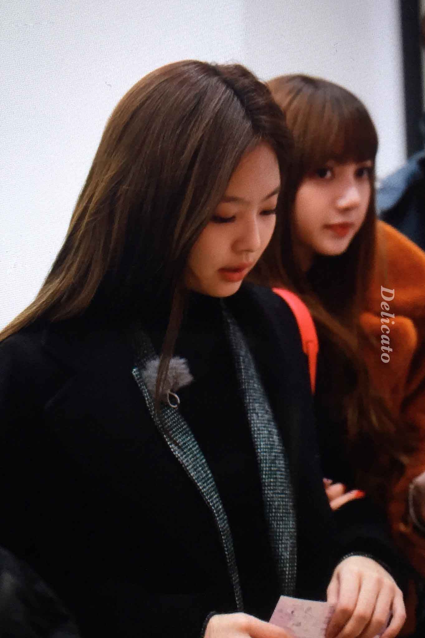 Awesome Blackpink House Lisa And Jennie wallpapers to download for free greenvirals