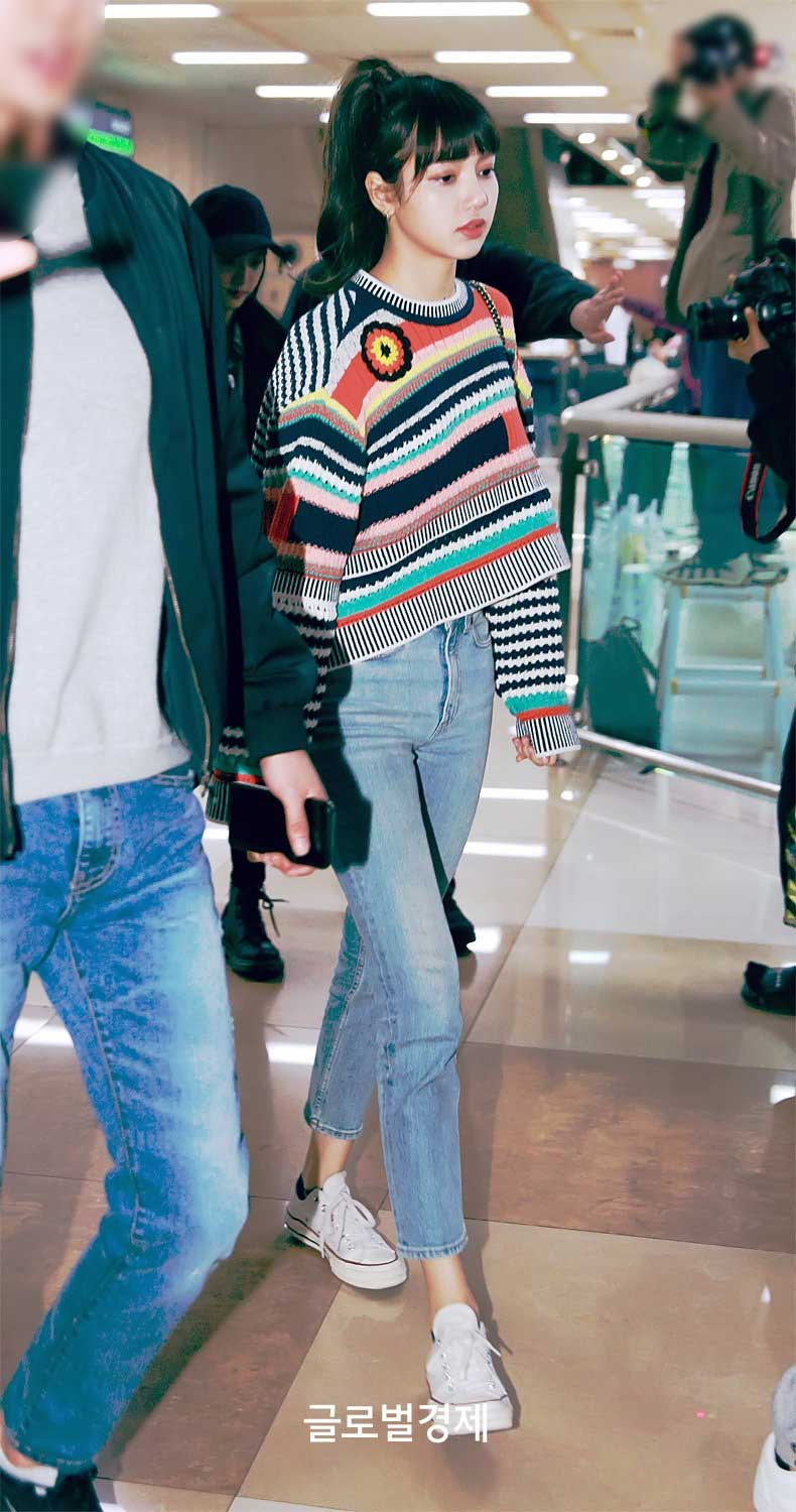 Blackpink Lisa Airport Fashion 1 April 2018 Colorful Outfit 3