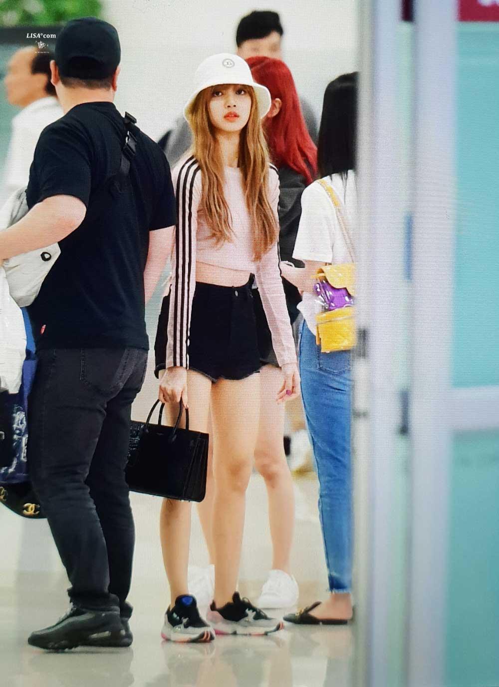 Blackpink Lisa Airport Fashion 4 July 2018 Photo 4