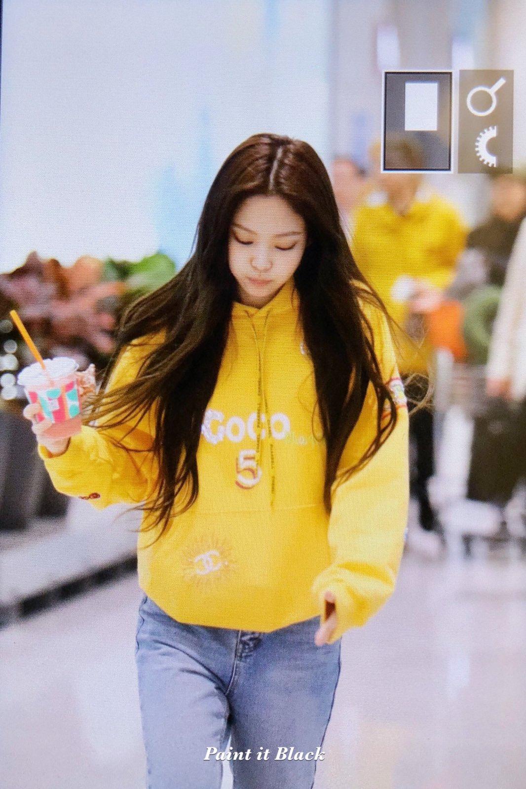 73 Blackpink Jennie Airport Photo 9 April 2019 Incheon To Thailand