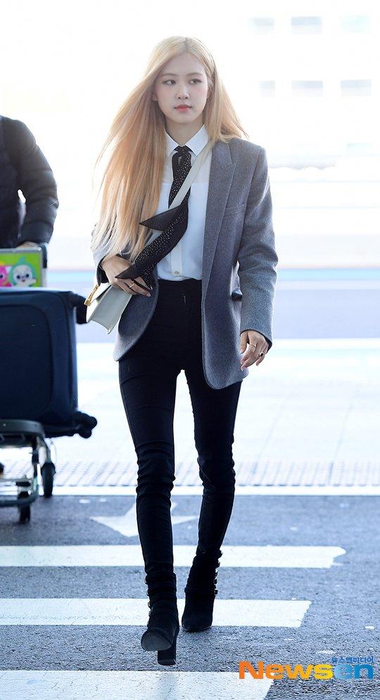 1 Blackpink Rose Airport Outfit Blazer To Paris 26 January 2020